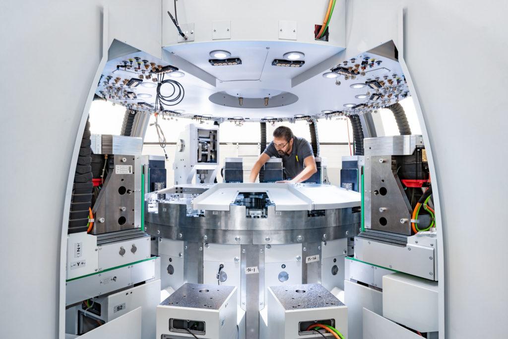 Scanderbeg Sauer, Precitrame Machines SA, Swissmem, Unternehmensfotografie, Industriefotografie, Zürich Schweiz